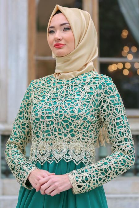 Nayla Collection - Gold Dantelli Çağla Yeşili Tesettür Abiye Elbise 3347CY