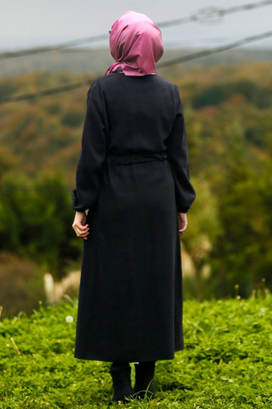 Nayla Collection - Kemerli Siyah Tesettür Kaşe Kap 5409S