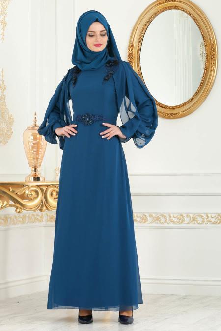 Neva Style - Omuzları Çiçek Detaylı Petrol Mavisi Tesettür Abiye Elbise 52553PM