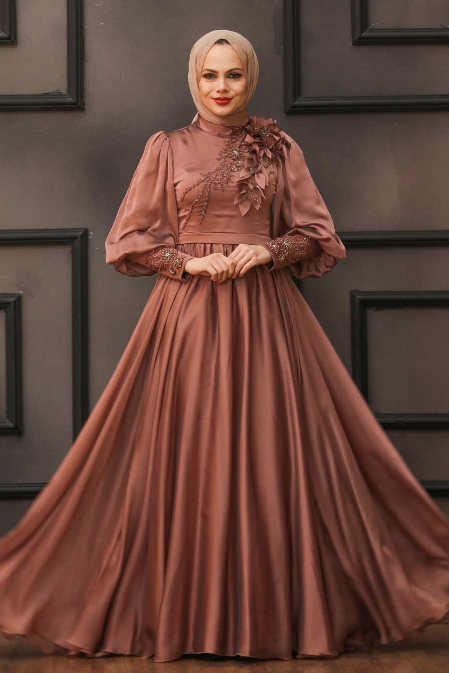 Tesettürlü Abiye Elbise - Çiçek Detaylı Bakır Tesettür Abiye Elbise 21960BKR
