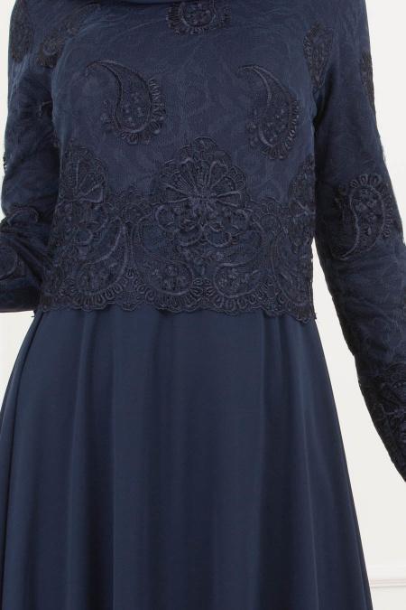 Tesettürlü Abiye Elbise - Dantel Detaylı Lacivert Tesettür Abiye Elbise 8238L