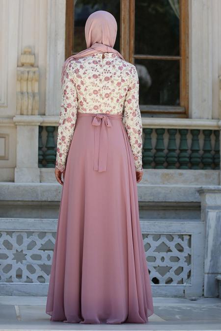 Tesettürlü Abiye Elbise - Üzeri Çiçek Dantelli Pudra Tesettür Abiye Elbise 7617PD