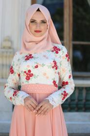 Tesettürlü Abiye Elbise - Üzeri Çiçek Dantelli Somon Tesettür Abiye Elbise 7617SMN - Thumbnail