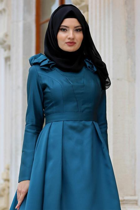 Tuay - Omuzları Büzgülü Tafta Petrol Yeşili Tesettür Abiye Elbise 2406PY